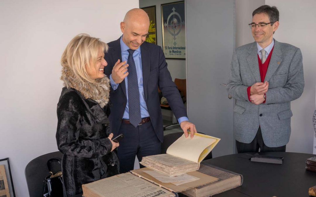 Visita de la Alcaldesa de Esplugues de Llobregat, Excma. Pilar Díaz Romero